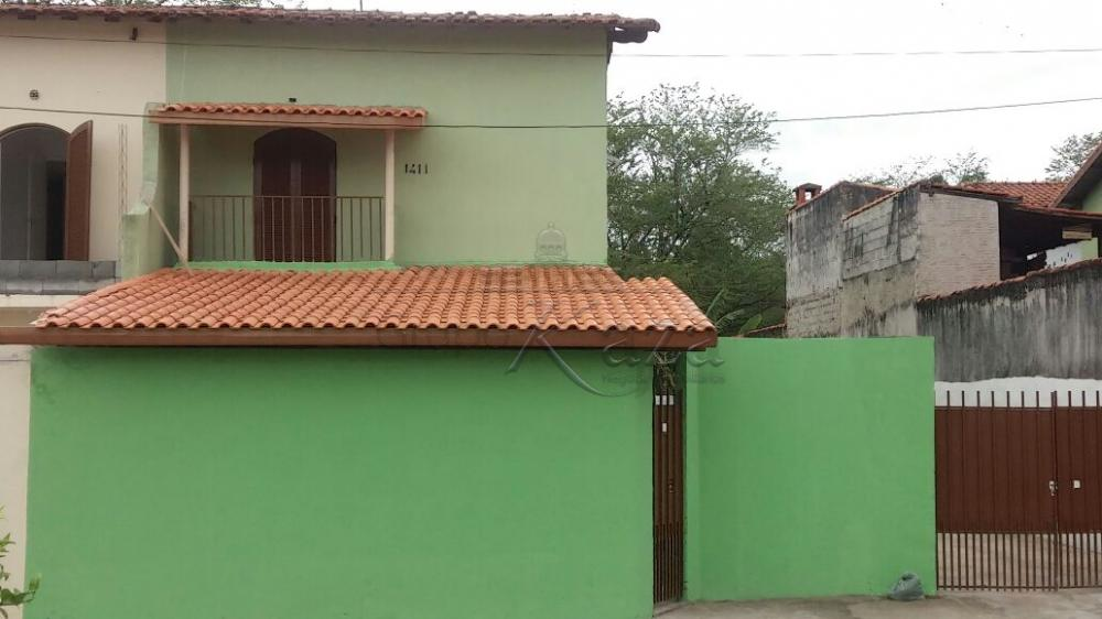 Casa / Padrão em Jacareí Alugar por R$1.100,00