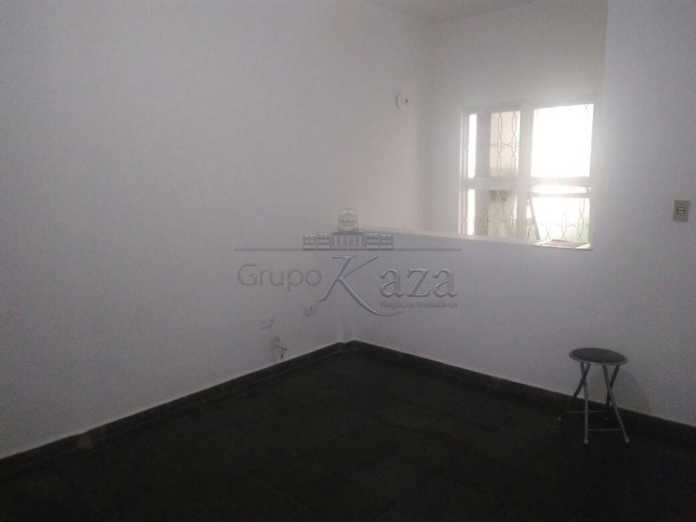 Alugar Casa / Sobrado em Jacareí apenas R$ 900,00 - Foto 1