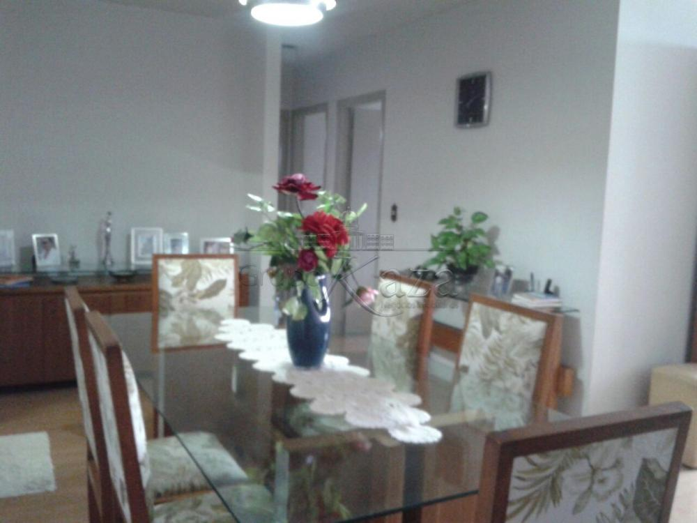 Apartamento / Padrão em São José dos Campos , Comprar por R$382.000,00