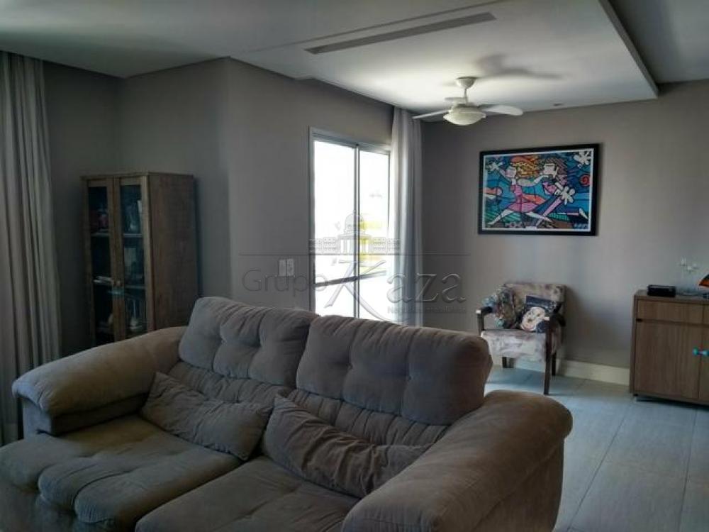 Apartamento / Padrão em São José dos Campos , Comprar por R$365.000,00