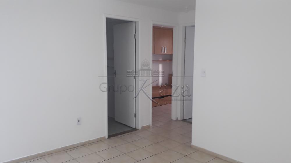 Apartamento / Padrão em São José dos Campos Alugar por R$780,00