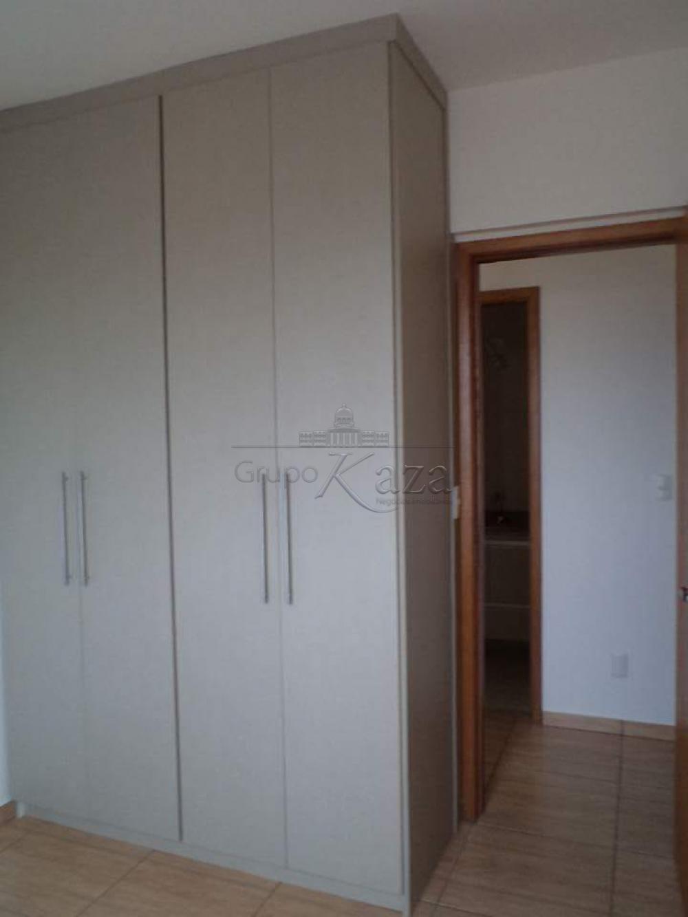 alt='Alugar Apartamento / Padrão em São José dos Campos R$ 1.250,00 - Foto 12' title='Alugar Apartamento / Padrão em São José dos Campos R$ 1.250,00 - Foto 12'