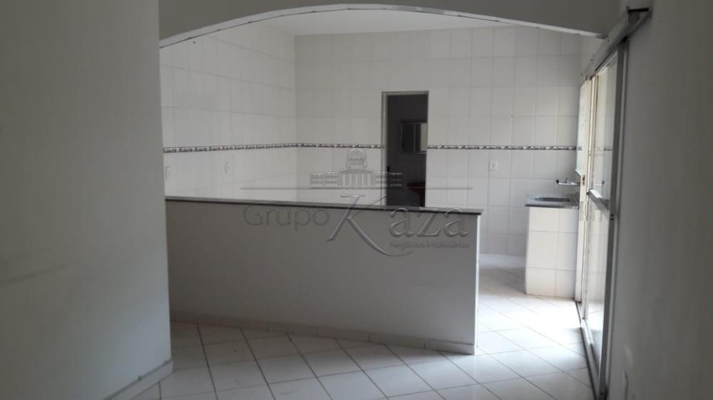 Casa / Edicula em São José dos Campos Alugar por R$850,00