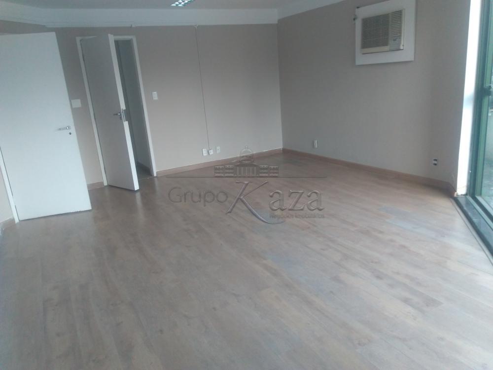 Alugar Comercial / Salão em Condomínio em São José dos Campos apenas R$ 760,00 - Foto 2