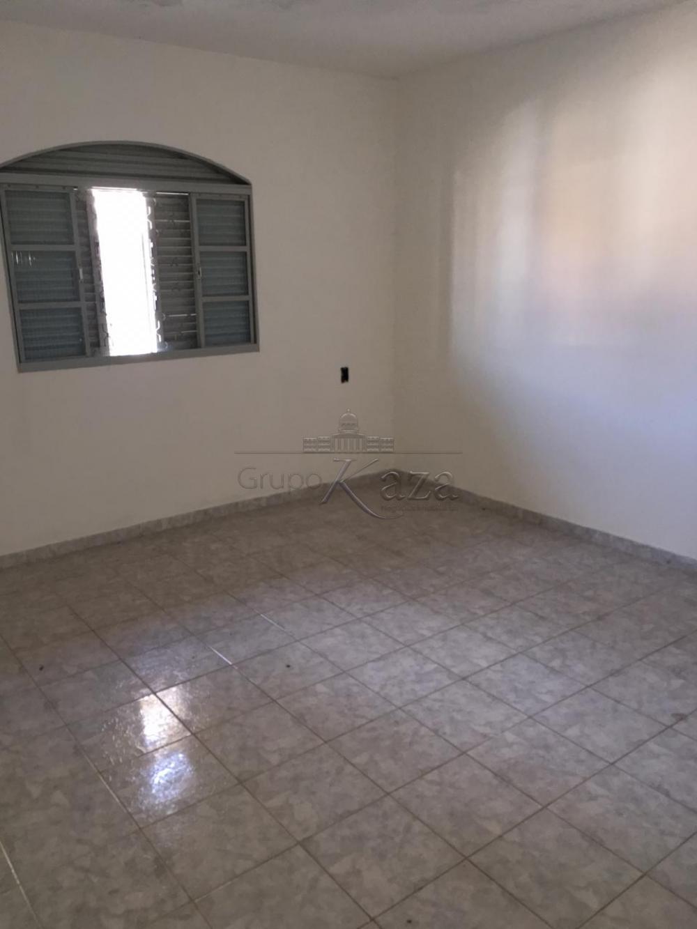Alugar Casa / Padrão em São José dos Campos apenas R$ 1.200,00 - Foto 8