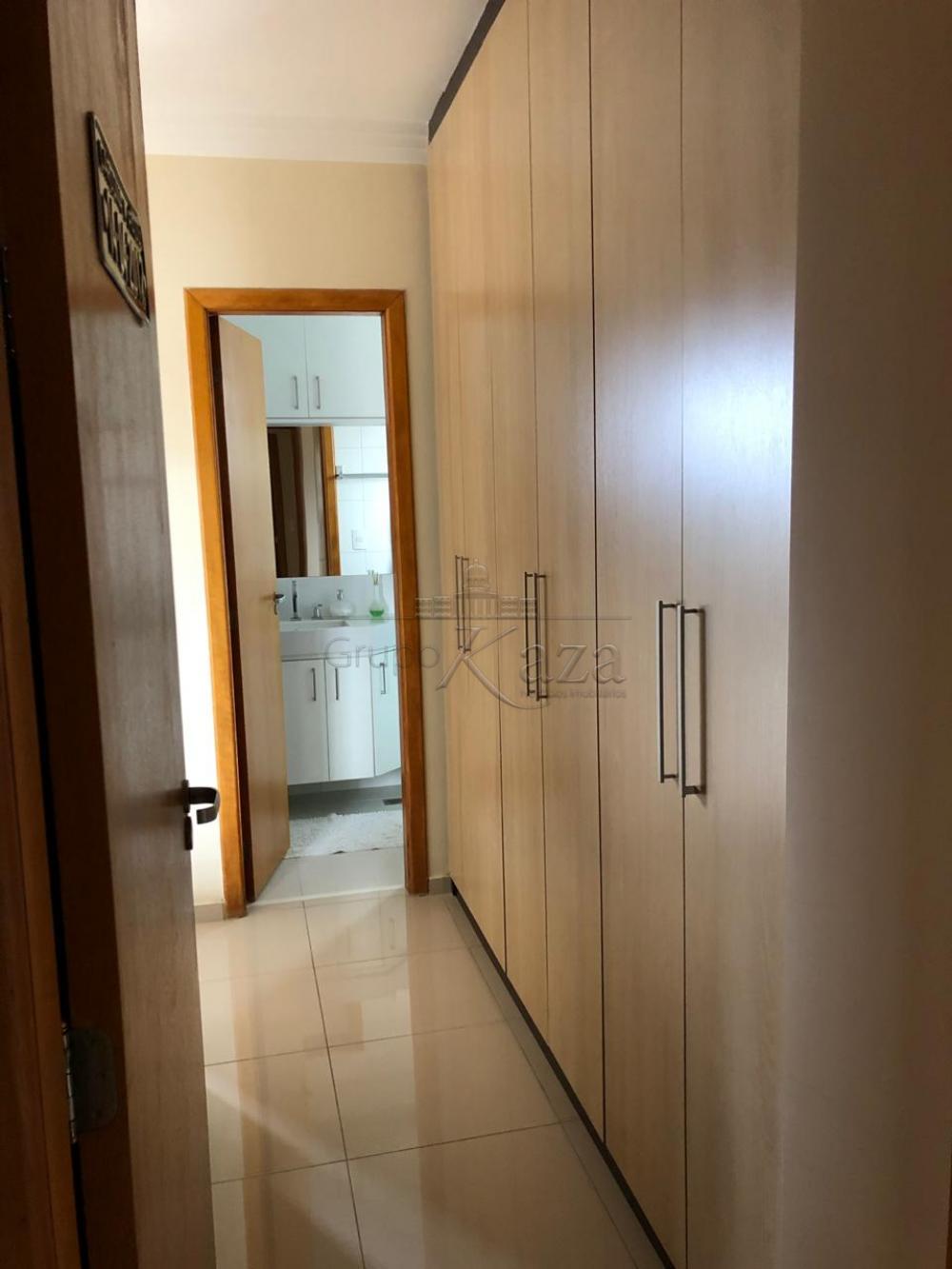 Comprar Apartamento / Padrão em São José dos Campos R$ 750.000,00 - Foto 17