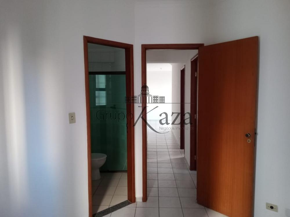 alt='Alugar Apartamento / Padrão em São José dos Campos R$ 2.500,00 - Foto 3' title='Alugar Apartamento / Padrão em São José dos Campos R$ 2.500,00 - Foto 3'