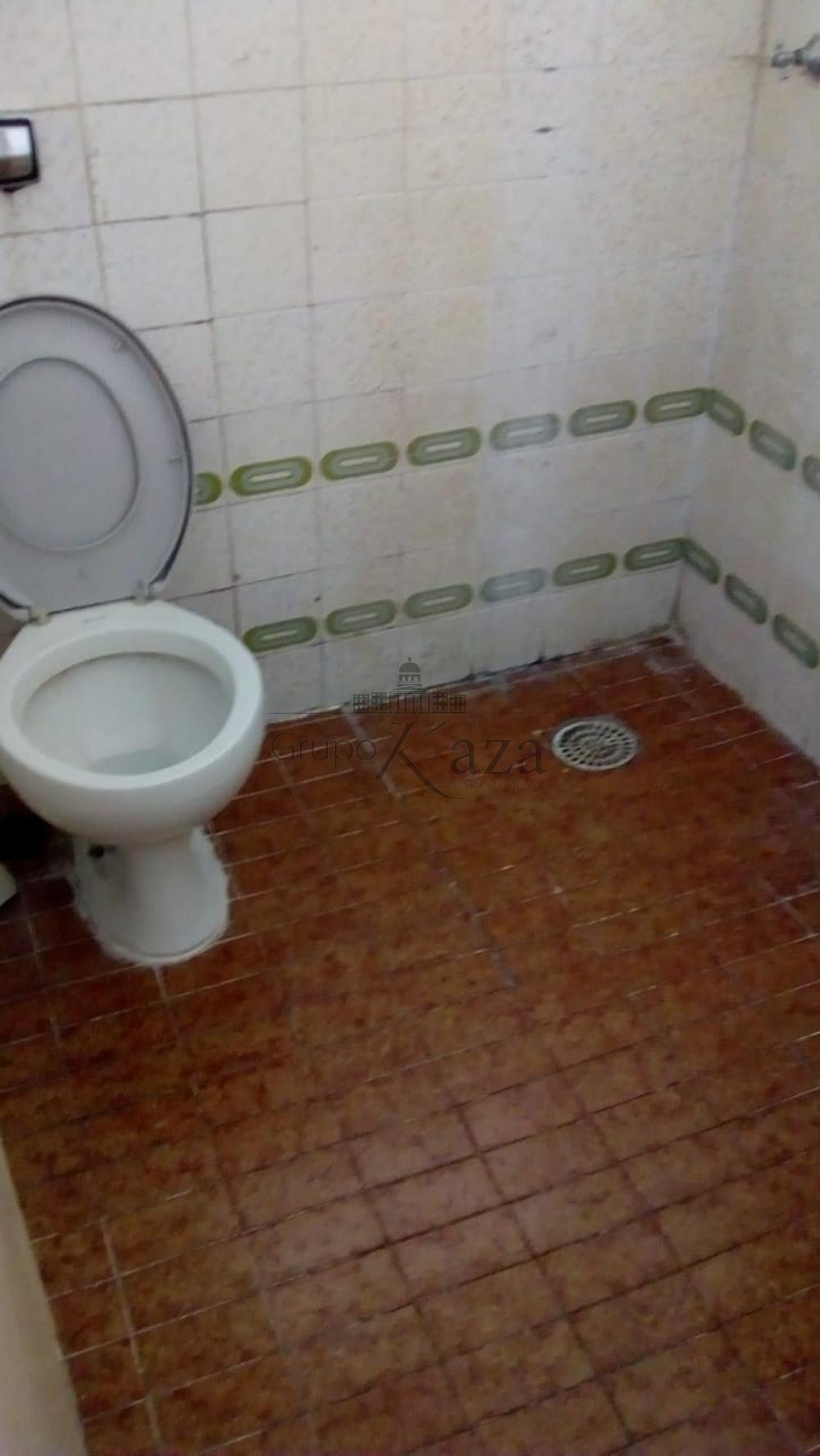 Alugar Apartamento / Padrão em São José dos Campos R$ 850,00 - Foto 2