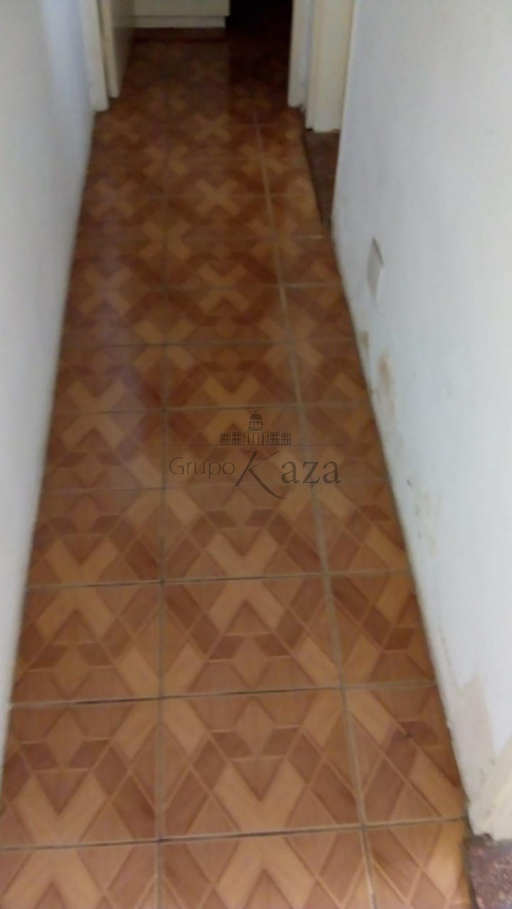 Alugar Apartamento / Padrão em São José dos Campos R$ 850,00 - Foto 1