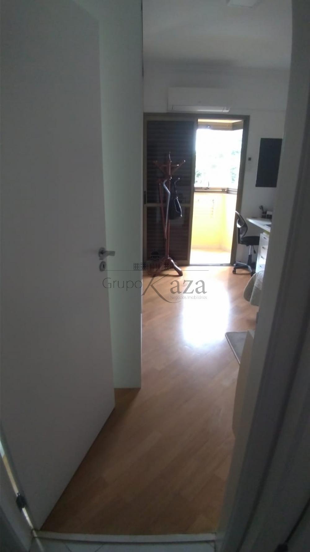alt='Comprar Apartamento / Padrão em São José dos Campos R$ 930.000,00 - Foto 19' title='Comprar Apartamento / Padrão em São José dos Campos R$ 930.000,00 - Foto 19'
