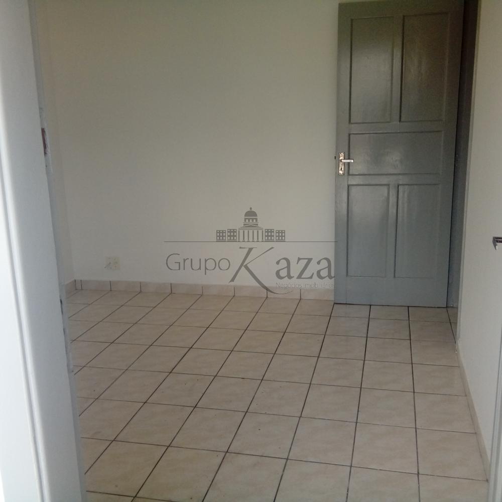 Alugar Casa / Padrão em São José dos Campos apenas R$ 1.200,00 - Foto 1