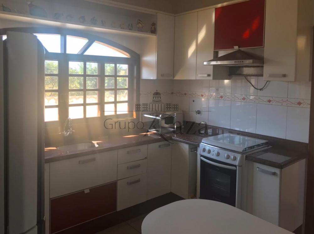 alt='Comprar Casa / Sobrado em São José dos Campos R$ 690.000,00 - Foto 3' title='Comprar Casa / Sobrado em São José dos Campos R$ 690.000,00 - Foto 3'