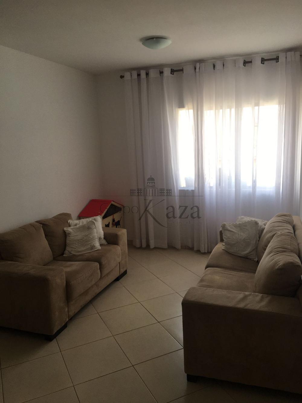 alt='Comprar Apartamento / Padrão em São José dos Campos R$ 300.000,00 - Foto 1' title='Comprar Apartamento / Padrão em São José dos Campos R$ 300.000,00 - Foto 1'