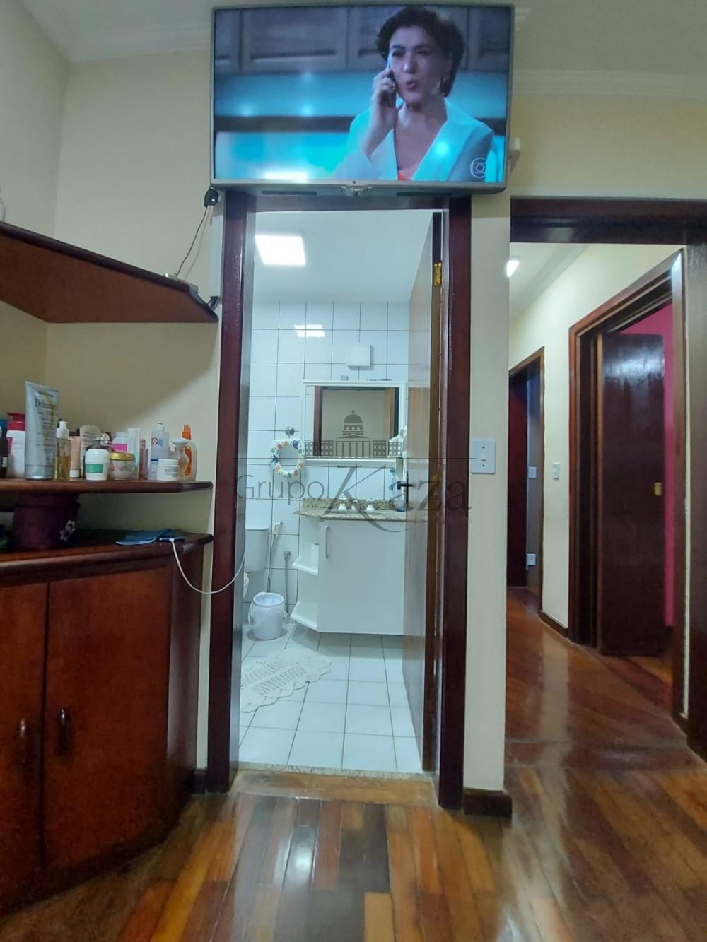 alt='Alugar Apartamento / Padrão em São José dos Campos R$ 2.750,00 - Foto 15' title='Alugar Apartamento / Padrão em São José dos Campos R$ 2.750,00 - Foto 15'