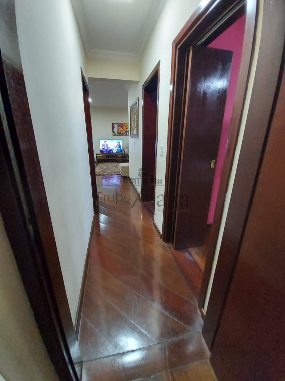 alt='Alugar Apartamento / Padrão em São José dos Campos R$ 2.750,00 - Foto 10' title='Alugar Apartamento / Padrão em São José dos Campos R$ 2.750,00 - Foto 10'
