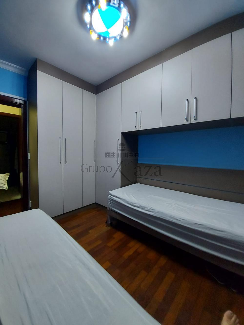 alt='Alugar Apartamento / Padrão em São José dos Campos R$ 2.750,00 - Foto 17' title='Alugar Apartamento / Padrão em São José dos Campos R$ 2.750,00 - Foto 17'