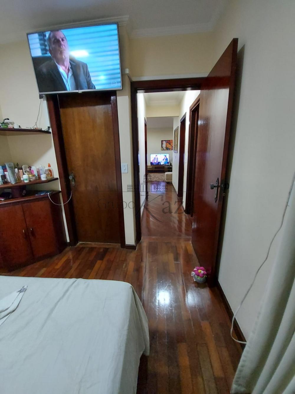 alt='Alugar Apartamento / Padrão em São José dos Campos R$ 2.750,00 - Foto 14' title='Alugar Apartamento / Padrão em São José dos Campos R$ 2.750,00 - Foto 14'