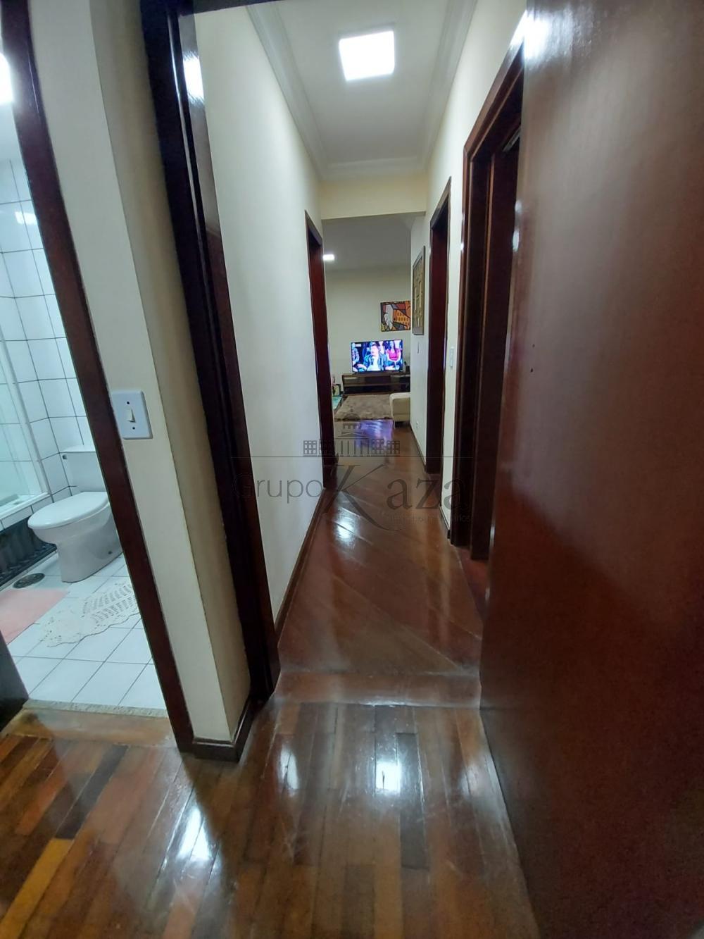 alt='Alugar Apartamento / Padrão em São José dos Campos R$ 2.750,00 - Foto 11' title='Alugar Apartamento / Padrão em São José dos Campos R$ 2.750,00 - Foto 11'
