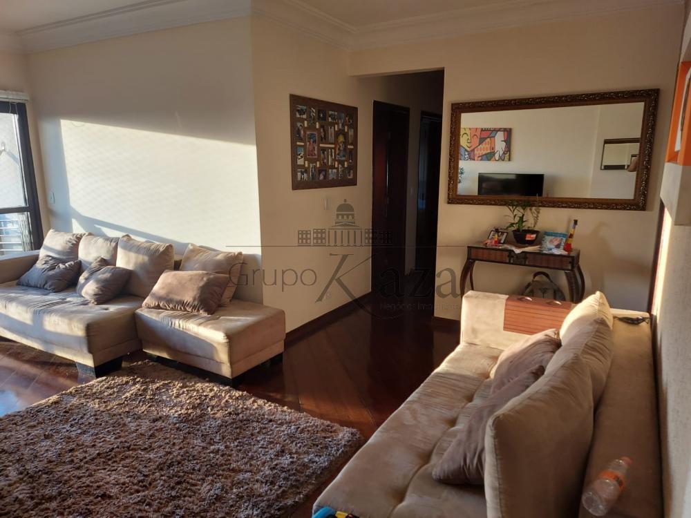 alt='Alugar Apartamento / Padrão em São José dos Campos R$ 2.750,00 - Foto 3' title='Alugar Apartamento / Padrão em São José dos Campos R$ 2.750,00 - Foto 3'