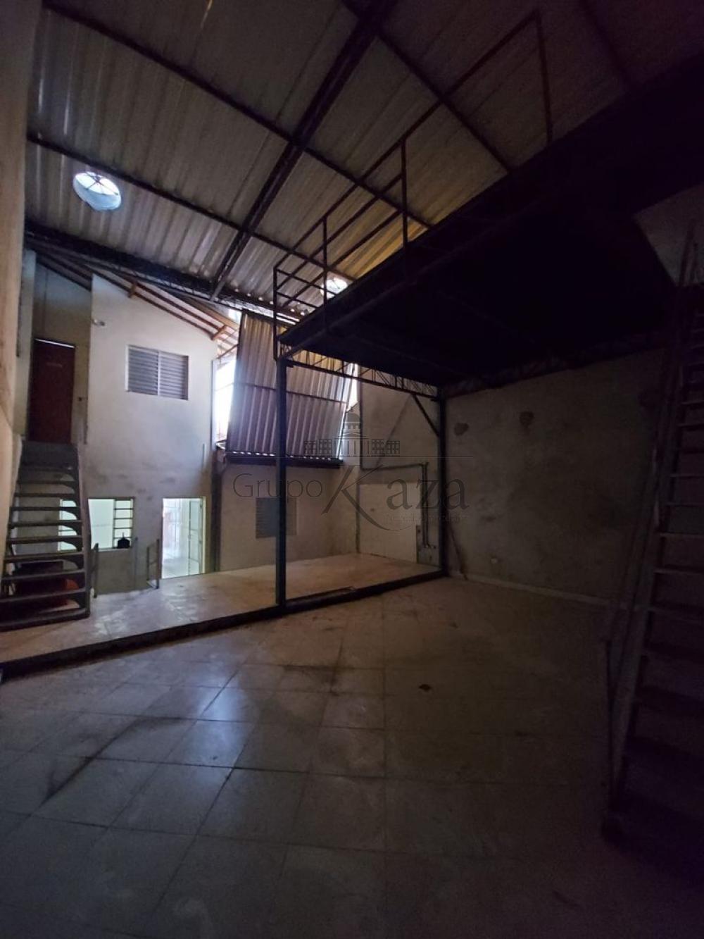 alt='Alugar Casa / Comercial / Residencial em São José dos Campos R$ 2.800,00 - Foto 10' title='Alugar Casa / Comercial / Residencial em São José dos Campos R$ 2.800,00 - Foto 10'