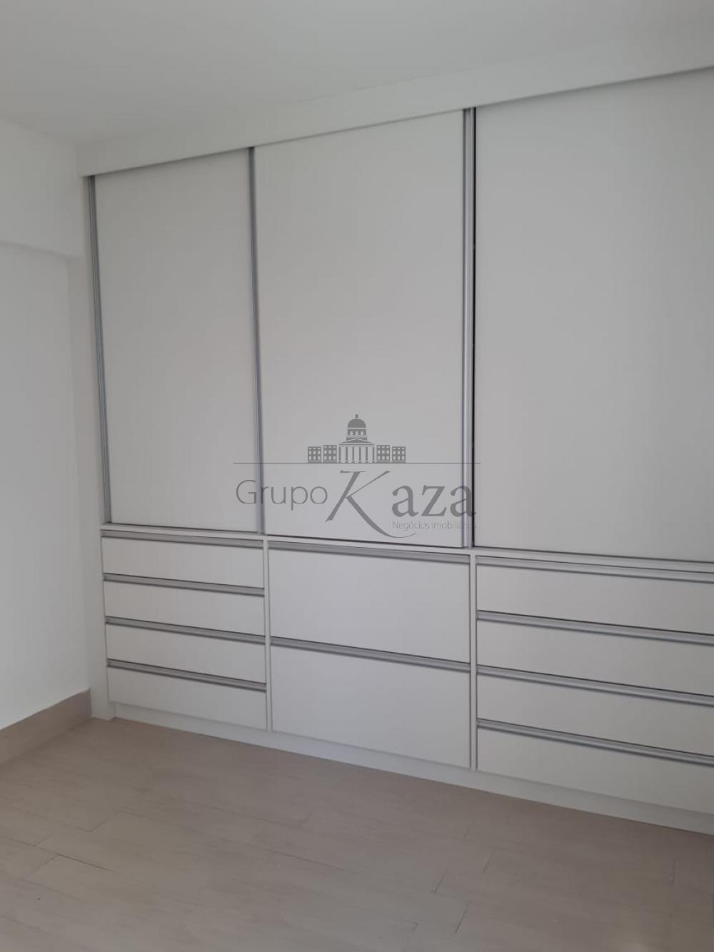 alt='Alugar Apartamento / Padrão em São José dos Campos R$ 2.400,00 - Foto 17' title='Alugar Apartamento / Padrão em São José dos Campos R$ 2.400,00 - Foto 17'