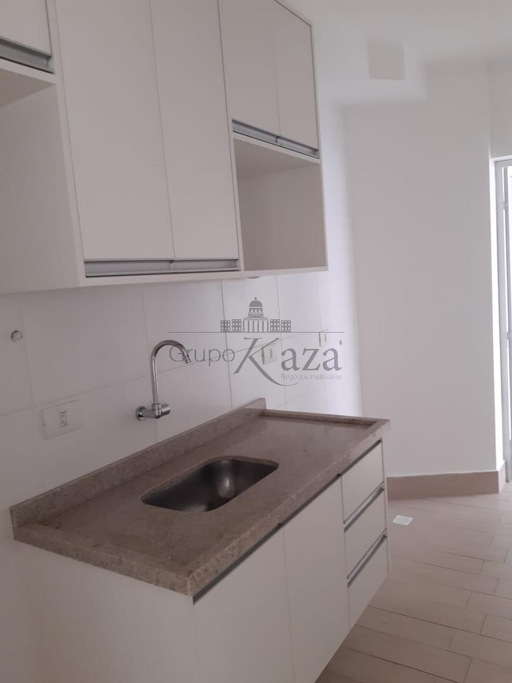 alt='Alugar Apartamento / Padrão em São José dos Campos R$ 2.400,00 - Foto 10' title='Alugar Apartamento / Padrão em São José dos Campos R$ 2.400,00 - Foto 10'
