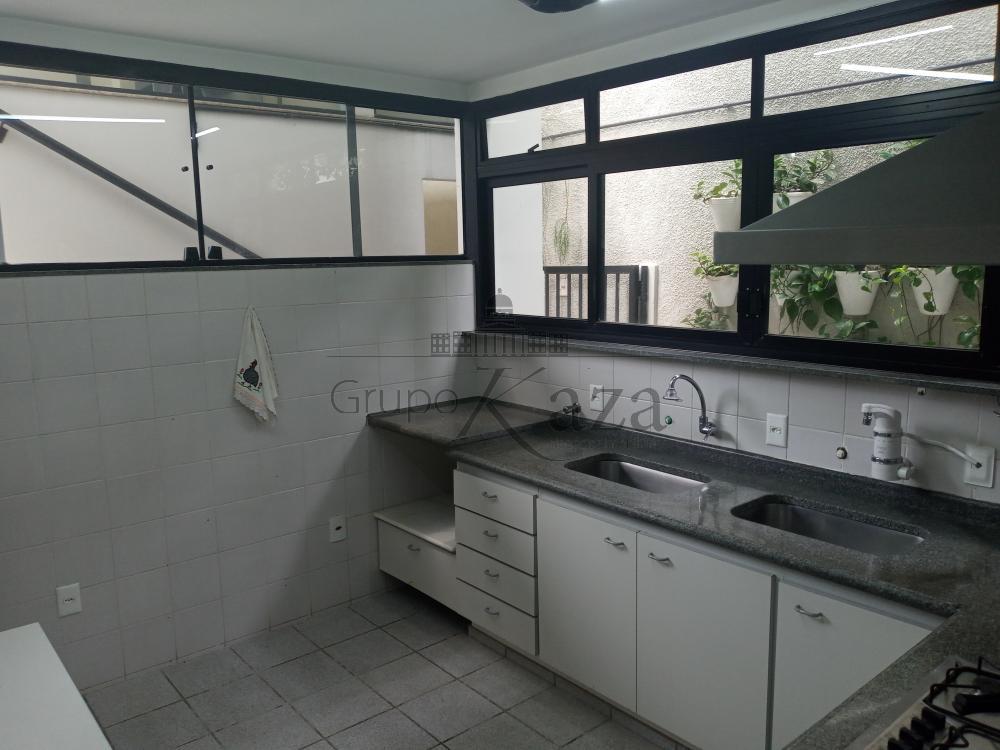 alt='Alugar Casa / Condomínio em São José dos Campos R$ 10.000,00 - Foto 11' title='Alugar Casa / Condomínio em São José dos Campos R$ 10.000,00 - Foto 11'