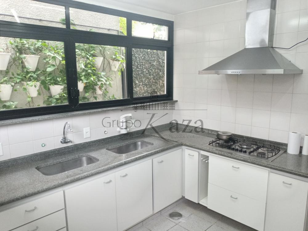alt='Alugar Casa / Condomínio em São José dos Campos R$ 10.000,00 - Foto 12' title='Alugar Casa / Condomínio em São José dos Campos R$ 10.000,00 - Foto 12'