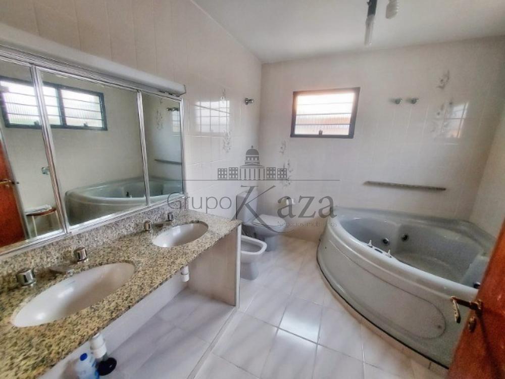alt='Comprar Casa / Sobrado em São José dos Campos R$ 1.400.000,00 - Foto 9' title='Comprar Casa / Sobrado em São José dos Campos R$ 1.400.000,00 - Foto 9'