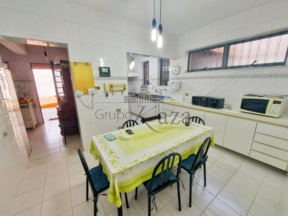 alt='Comprar Casa / Sobrado em São José dos Campos R$ 1.400.000,00 - Foto 4' title='Comprar Casa / Sobrado em São José dos Campos R$ 1.400.000,00 - Foto 4'