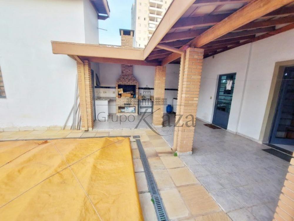alt='Comprar Casa / Sobrado em São José dos Campos R$ 1.400.000,00 - Foto 17' title='Comprar Casa / Sobrado em São José dos Campos R$ 1.400.000,00 - Foto 17'