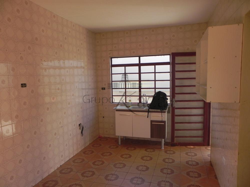 alt='Alugar Casa / Sobrado em São José dos Campos R$ 1.300,00 - Foto 4' title='Alugar Casa / Sobrado em São José dos Campos R$ 1.300,00 - Foto 4'