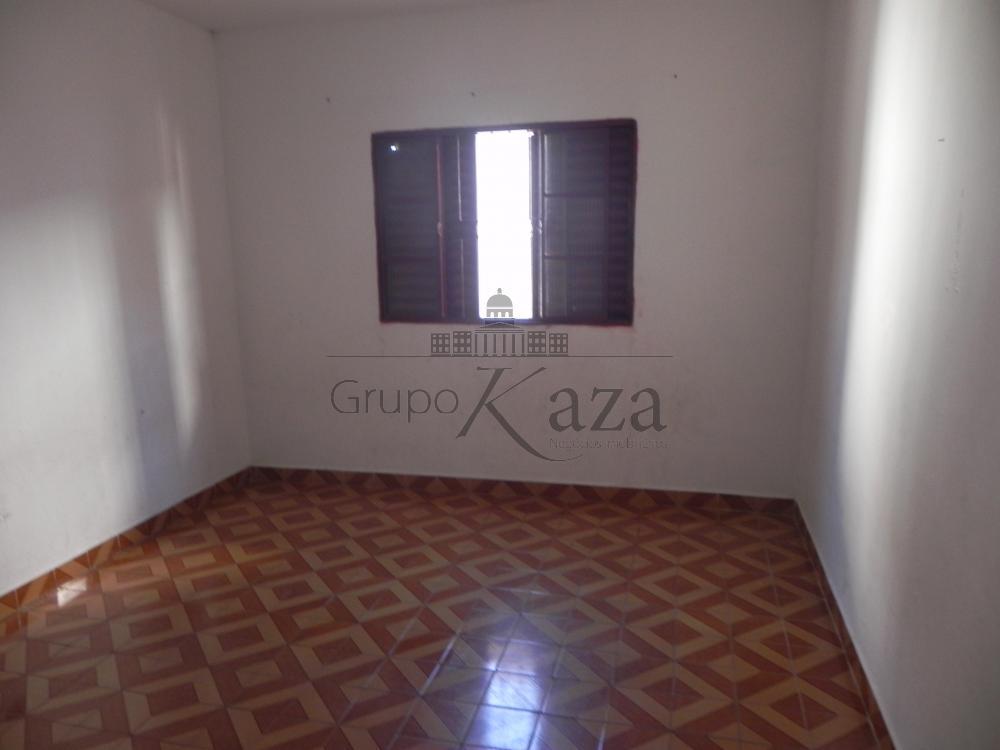 alt='Alugar Casa / Sobrado em São José dos Campos R$ 1.300,00 - Foto 8' title='Alugar Casa / Sobrado em São José dos Campos R$ 1.300,00 - Foto 8'
