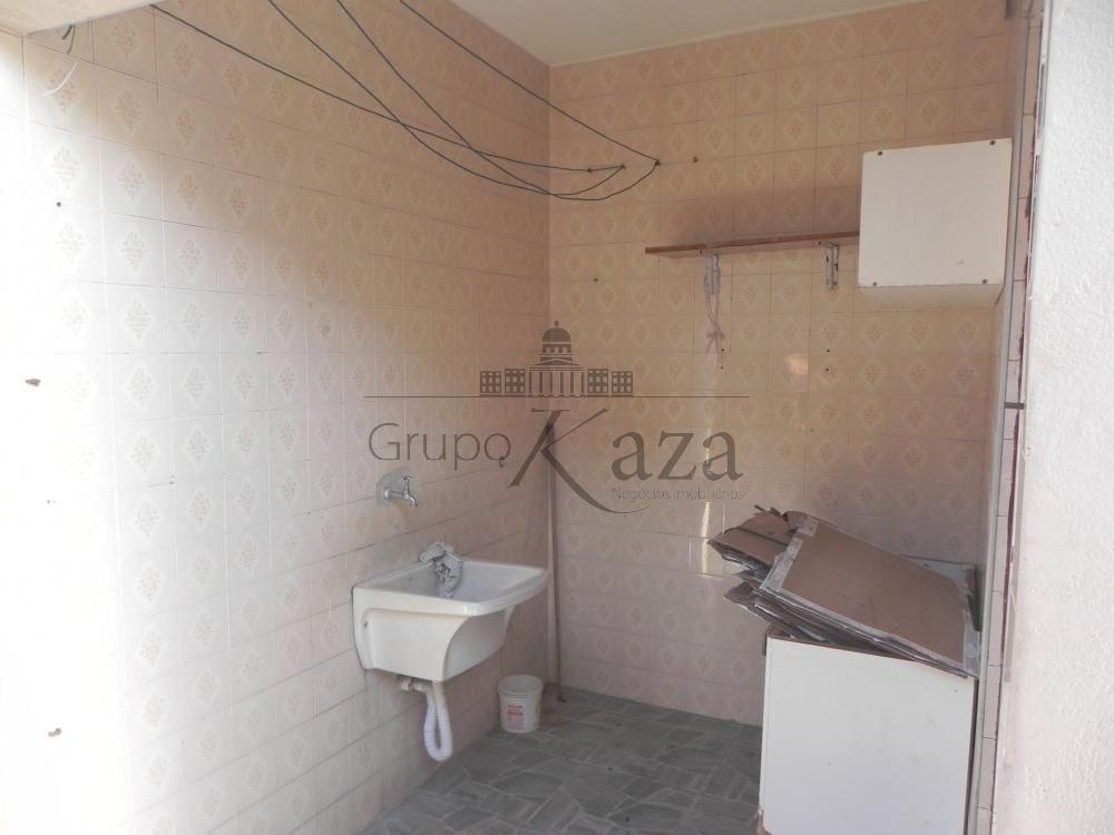 alt='Alugar Casa / Sobrado em São José dos Campos R$ 1.300,00 - Foto 6' title='Alugar Casa / Sobrado em São José dos Campos R$ 1.300,00 - Foto 6'