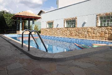 Alugar Casa / Sobrado em Jacareí. apenas R$ 1.500.000,00