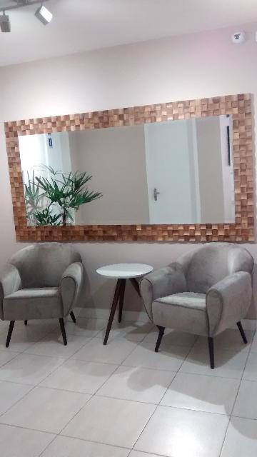 Apartamento / Padrão em São José dos Campos Alugar por R$850,00