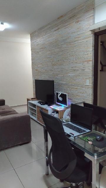Comprar Apartamento / Padrão em São José dos Campos. apenas R$ 255.000,00