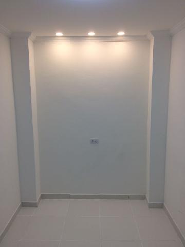 Alugar Casa / Edicula em São José dos Campos. apenas R$ 1.200,00
