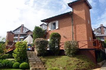 Alugar Casa / Sobrado em Campos do Jordão. apenas R$ 2.150.000,00