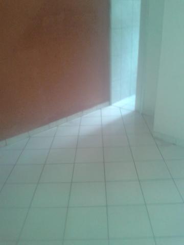 Casa / Padrão em São José dos Campos Alugar por R$640,00