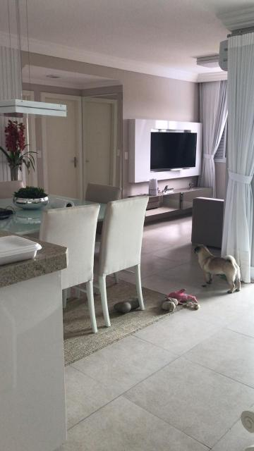Apartamento / Padrão em São José dos Campos , Comprar por R$371.000,00