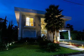 Jacarei Jardim Paraiba Casa Venda R$2.500.000,00 Condominio R$830,00 4 Dormitorios 4 Vagas Area do terreno 700.00m2