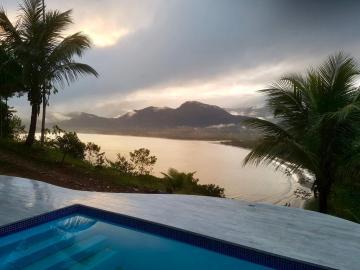 Ubatuba Almada Casa Venda R$2.300.000,00 4 Dormitorios 6 Vagas Area do terreno 2760.00m2 Area construida 285.00m2