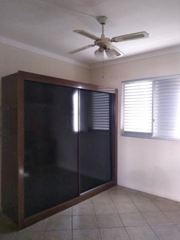 Comprar Apartamento / Padrão em São José dos Campos apenas R$ 230.000,00 - Foto 12