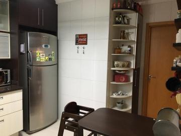 Alugar Apartamento / Padrão em São José dos Campos R$ 2.700,00 - Foto 6