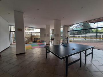 Alugar Apartamento / Padrão em São José dos Campos R$ 2.500,00 - Foto 8