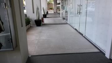 Alugar Comercial / Loja em condomínio comercial em São José dos Campos R$ 5.030,00 - Foto 2