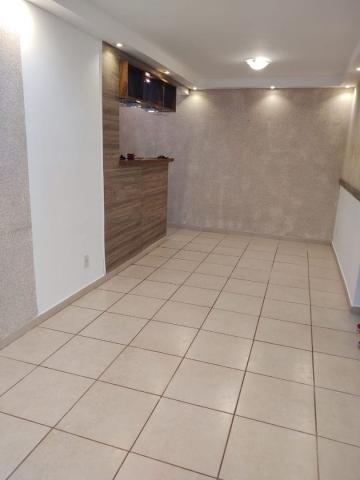 Alugar Apartamento / Padrão em São José dos Campos R$ 1.350,00 - Foto 3